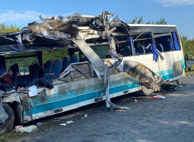 После смертельного ДТП с автобусом перекрыли часть трассы Калининград — Янтарный