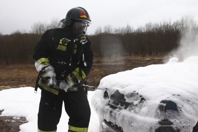 Засутки вКалининградской области сгорели два автомобиля