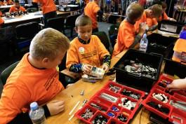 «Дети, технологии и роботы»: «Ростелеком» поддержал участников «Цифрового будущего России»