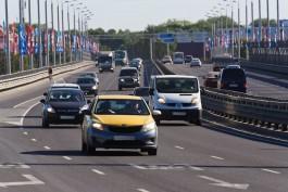 В Калининградской области начали арестовывать машины нелегальных таксистов