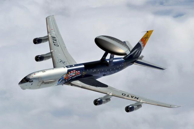 Запад принял решение задействовать больше самолётов-разведчиков уграницРФ