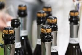 Со склада в Калининграде изъяли более 12 тысяч бутылок контрафактного алкоголя
