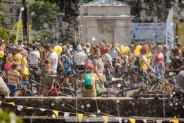 «Велопарад, фестиваль ретроавтомобилей и последний матч сезона»: 6 способов провести выходные