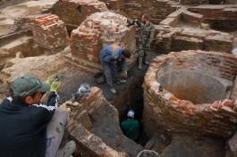 «Часы из кости и кубок XVI века»: какие редкие находки обнаружили при раскопках на Нижнем озере
