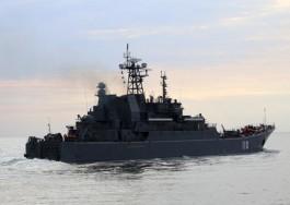 Большие десантные корабли Балтфлота отразили воздушные атаки условного противника