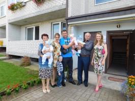 Жена Николая Цуканова подарила свою квартиру многодетной семье