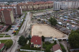 «Остались на обочине»: почему не могут выкупить дом на пути Восточной эстакады в Калининграде