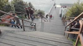 Почему в Янтарном перестали спускать к морю детские коляски?