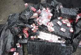 Калининградские таможенники нашли в вагонах с углём пять тысяч пачек контрабандных сигарет