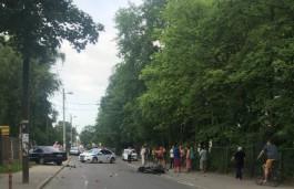 Очевидцы: На улице Герцена в Калининграде погиб в ДТП мотоциклист