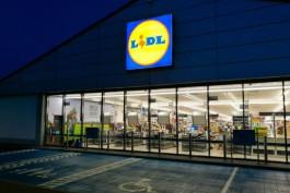 Польские магазины обязали бесплатно раздавать непроданные продукты питания