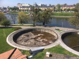 У здания ГТРК «Калининград» на Нижнем озере спустя десять лет запустят фонтаны