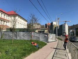 На улице Боткина в Калининграде начали разбирать пристройку к немецкому зданию XIX века