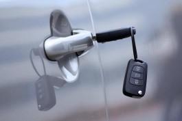 УМВД: 16-летний подросток за день угнал две машины в Калининграде