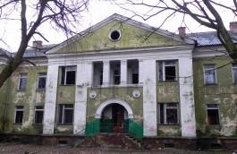 «До последнего кирпичика»: на проспекте Победы в Калининграде снесли бывший детский сад