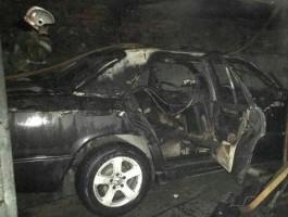 Полиция назвала причину возгорания «Мерседеса» в гараже на ул. Ротко