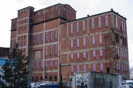 «Как новое»: в здание бывшей «Дариты» на улице Ялтинской вставили бутафорские окна