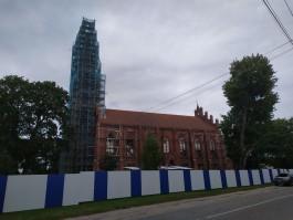 Для ремонта кирхи в Славске завезли уникальные леса из Германии