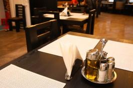 Трём барам и ресторану в Калининграде разрешили работать после полуночи для привитых посетителей