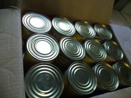 В Калининградскую область пытались незаконно ввезти почти 30 тысяч банок тунца