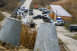 «Тетраподы против внедорожников»: как в Янтарном пытаются бороться с дайверами