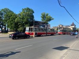 На улице Черняховского в Калининграде из-за ДТП заблокировано движение трамваев