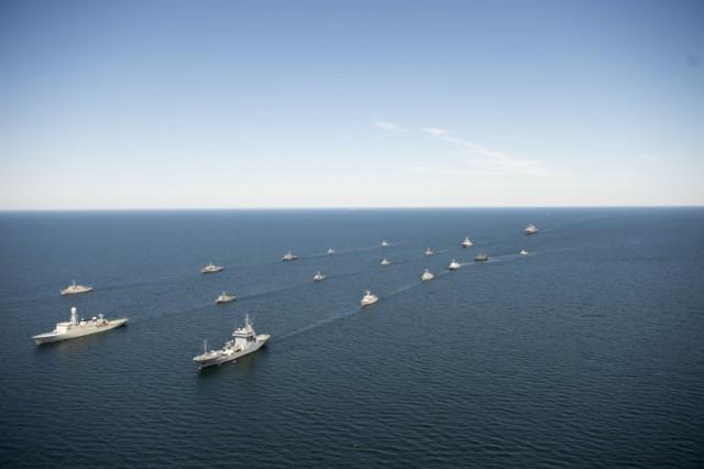 ВЛитве стартовала динамичная фаза учений ВМС стран Балтии Baltron