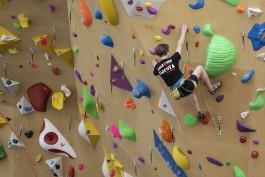 «Для будущих чемпионов»: в ФОК «Автотора-Арена» в Калининграде открыли 17-метровый скалодром