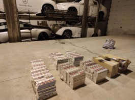 В Литве за контрабанду сигарет задержали водителя автовоза, который ехал в Калининград