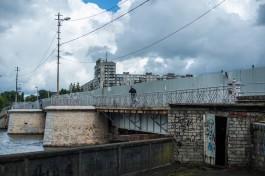 Опоры Деревянного моста будут ремонтировать с помощью подводного бетонирования