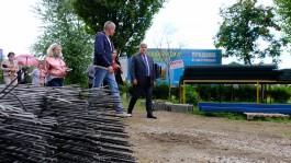 «Камерная атмосфера и разбитое крыльцо»: как Силанов проверял ремонт в детсаду и школах Калининграда