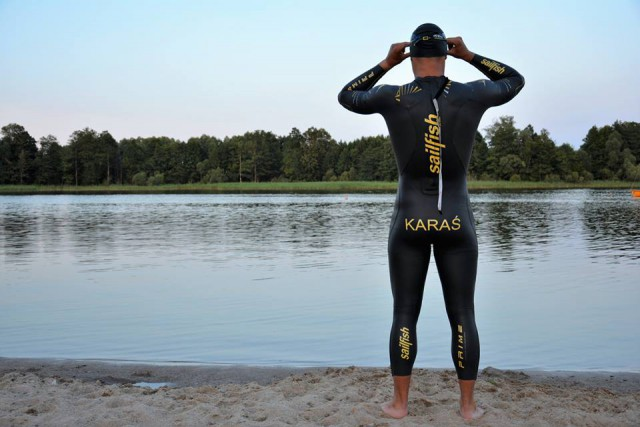 Поляк впервый раз вистории переплыл Балтийское море, установив мировой рекорд