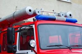Из-за пожара в жилом доме на улице Батальной в Калининграде эвакуировали пять человек