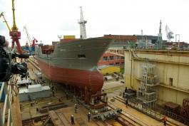 На заводе «Янтарь» спустили на воду третье рыболовецкое судно для камчатского колхоза