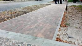 Часть тротуара на ул. Тельмана в Калининграде выложили 100-летней немецкой плиткой