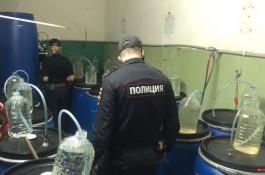 На улице Невского в Калининграде обнаружили кустарный цех по производству алкоголя
