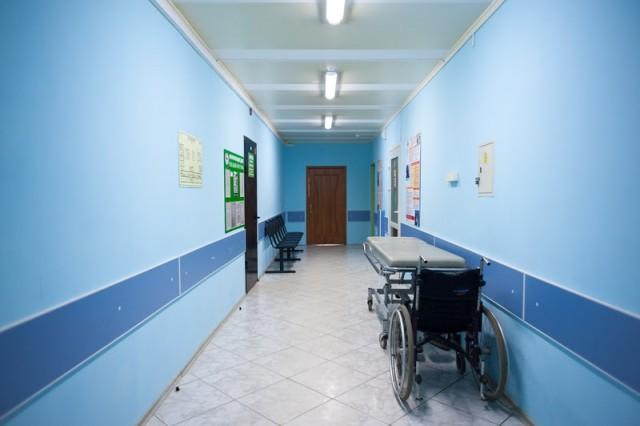 Среди новых заразившихся коронавирусом в регионе — два школьника, сотрудник санатория и двухлетний ребёнок