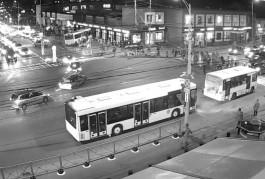 Авария с автобусом у Центрального рынка попала в объектив камеры Калининград.Ru