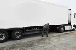 В Гжехотках задержали калининградского дальнобойщика с перебитым VIN-номером на полуприцепе