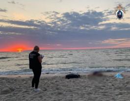 В Зеленоградске на необорудованном пляже утонула 65-летняя петербурженка