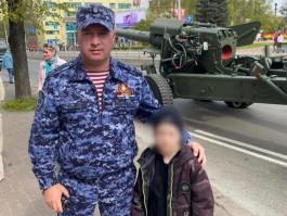 Во время парада Победы в Калининграде потерялся семилетний мальчик