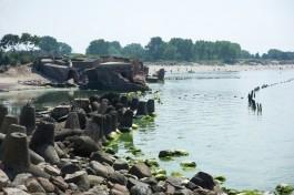На Балткосе планируют построить четырёхметровую стену для защиты домов от моря