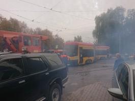 На кольце на аллее Смелых в Калининграде сошёл с рельсов трамвай PESA