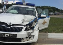 В Холмогоровке «Фольксваген» столкнулся с полицейской машиной