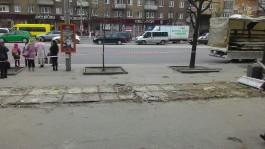 На Ленинском проспекте снесли ещё два продуктовых павильона
