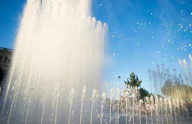 В Калининграде запустили светомузыкальный фонтан у бывшего ДКМ