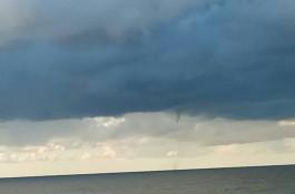 Над морем возле Зеленоградска образовался водяной смерч