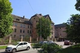 Здание бывшей немецкой казармы на улице Артиллерийской в Калининграде реконструируют под лабораторию