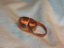 Жители области стали реже жениться и чаще разводиться