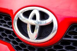 Под Зеленоградском «Тойота» выехала на «встречку» и врезалась в «Крайслер»